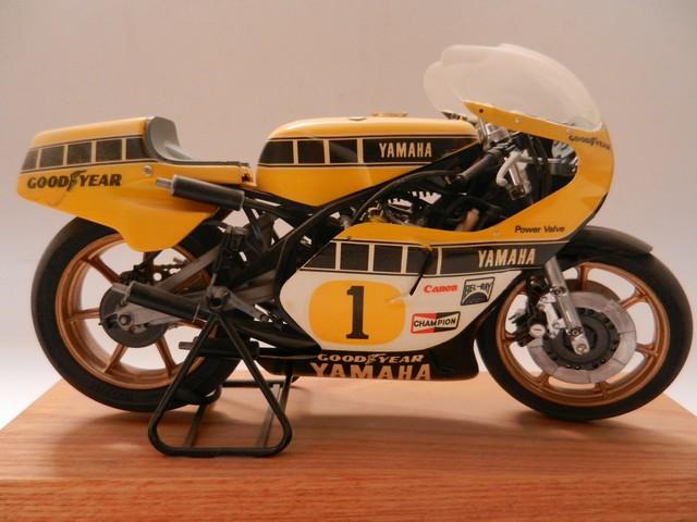 Moto Yamaha YZR500 Version Grand Prix 01411