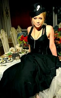 Chelsea Gallerie's Hilary12