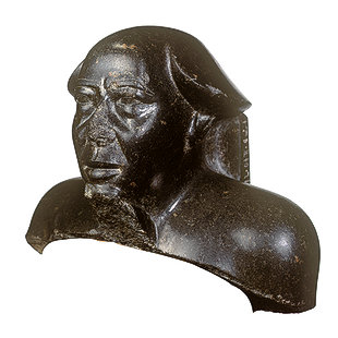 Bust of Montuemhat 9000_310