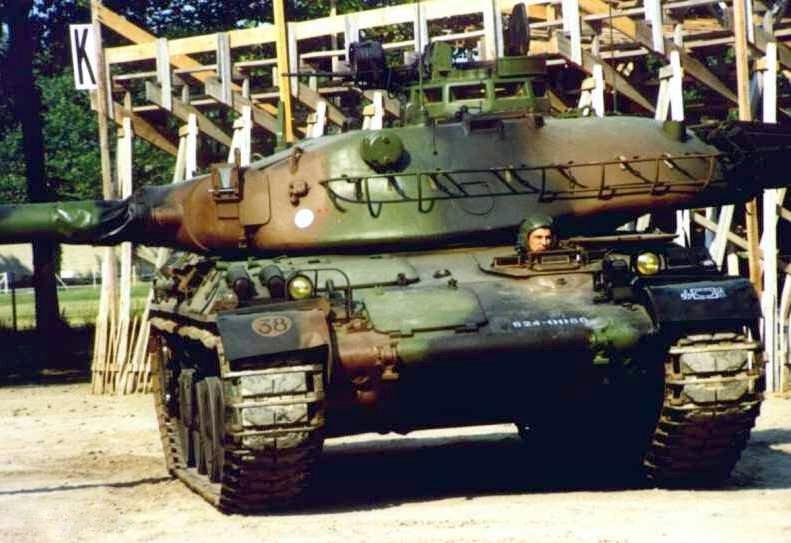Char de combat français Amx30_10