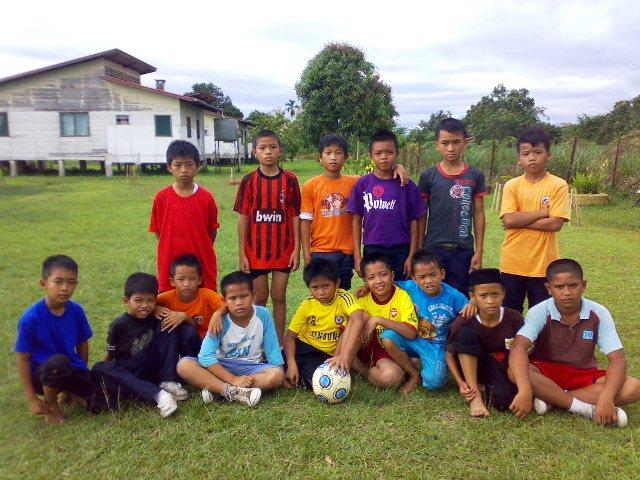 Pertandingan Bola Sepak & Bola Jaring Tahun 4 & 5 (3nov10) 03112012