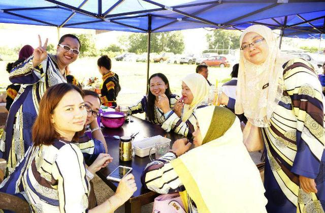 Majlis Kecemerlangan & Graduasi Tahun 6 (23nov2017) Photo_15