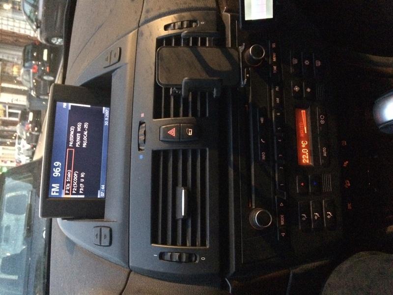 [ BMW E83 LCI an 2009 ] Radio qui se coupe le matin quand il fait froid Image110