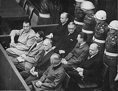 Le procès de Nuremberg : une injustice dont le monde meurt aujourd'hui  250px-10