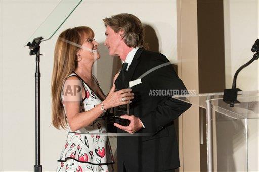 04/2018 Oscar de la Renta Annual Spring Luncheon, Los Angeles  Ap527110