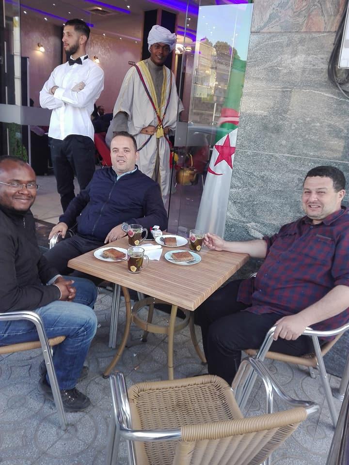 Oran 09 mai 2018:  Excellent après-midi avec mes amis Yousri et Boubakeu 10237