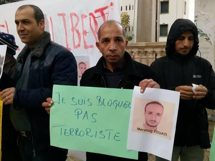 Rassemblement à Aokas le samedi 18 novembre 2017 pour la libération de:  Slimane Bouhafs Merzouk Touati Said Chitour 1308