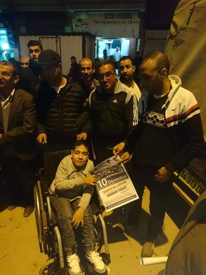 Les habitants de Laazib Oumaamar, Bgayet solidaire avec leur voisin Merzouk Touati 13120