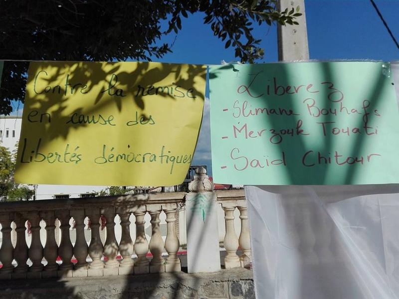 Rassemblement à Aokas le samedi 18 novembre 2017 pour la libération de:  Slimane Bouhafs Merzouk Touati Said Chitour - Page 2 1332