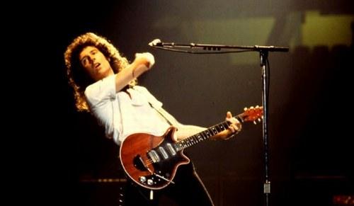 Freddie, John, Roger et Brian====> Queen... Queen-10