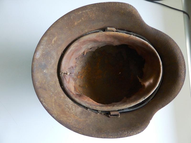 Un beau casque Allemand nominatif ! P1080823