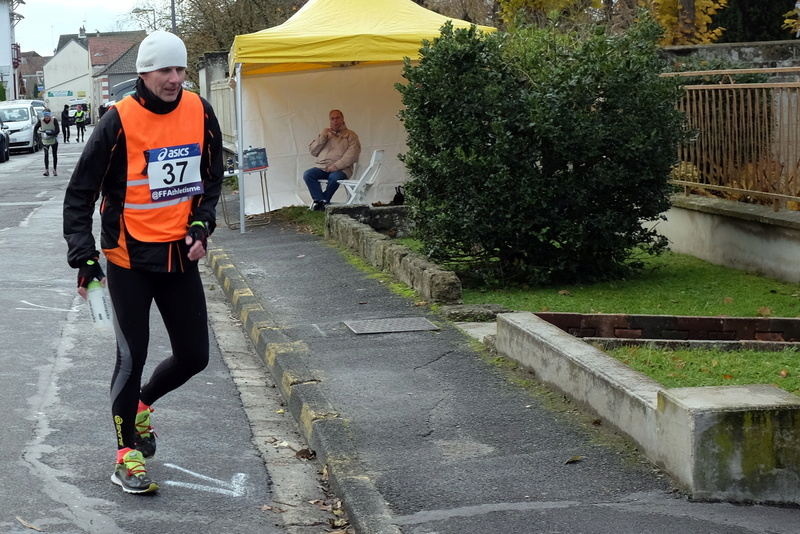 8h Etampes sur Marne entre 2 relais S0182811