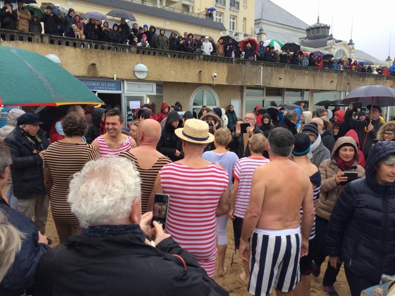 le dernier bain de l'année, Cabourg 31 Décembre 2017,  les photos Img_9111