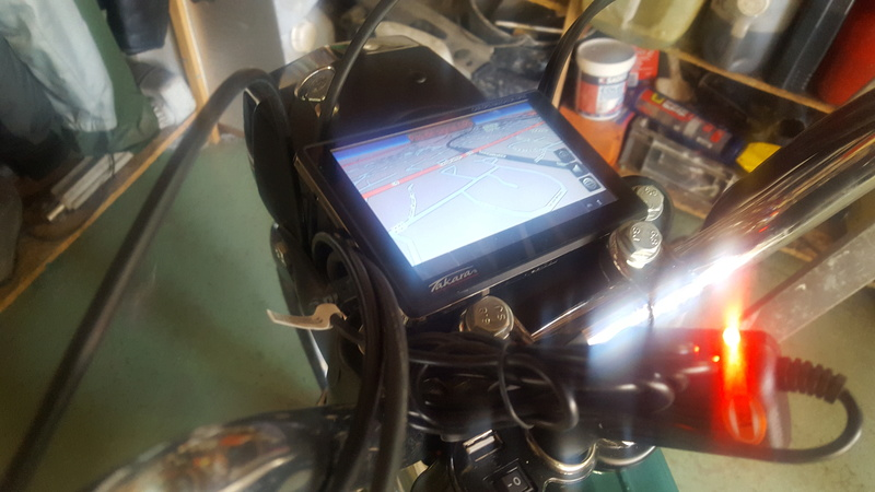 Installation batterie 12 V sur 881 20180410