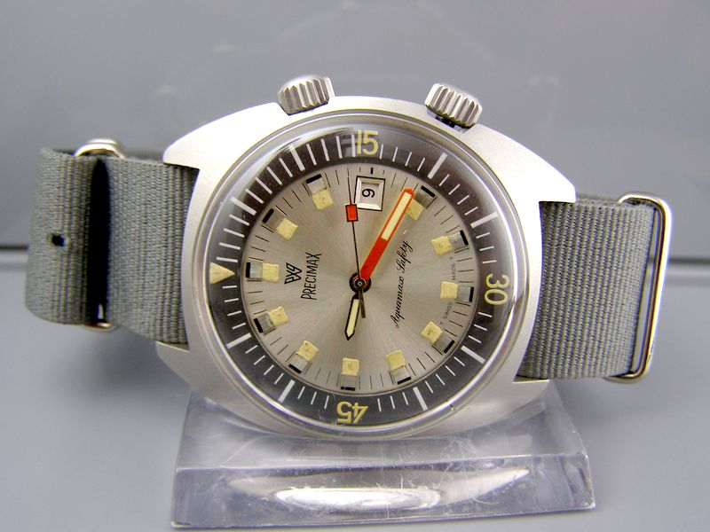 A couple very cool vintage watches... Precim10