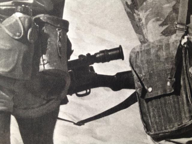 Un tireur d'élite du 3e RPC ... Img_2210