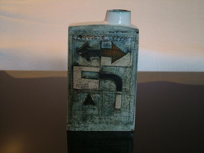 Troika Pottery Chimne12