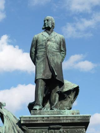 "Jules Ferry, ce ""Grand Vosgien"" qui a sa statue à Saint Dié  Statue10"