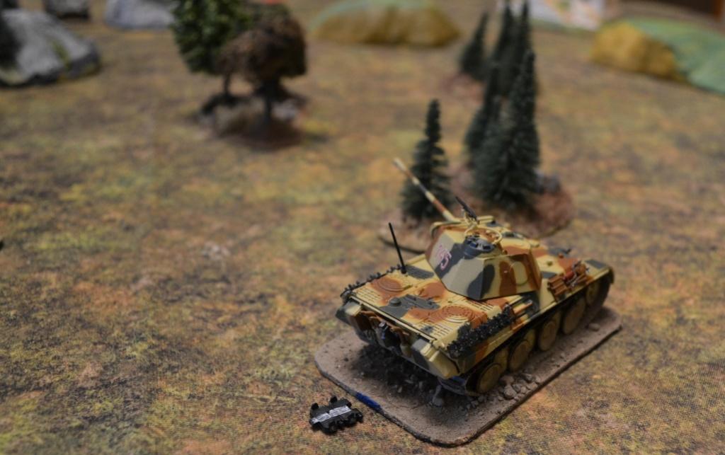Tanks : sherman vs panther Tigre10