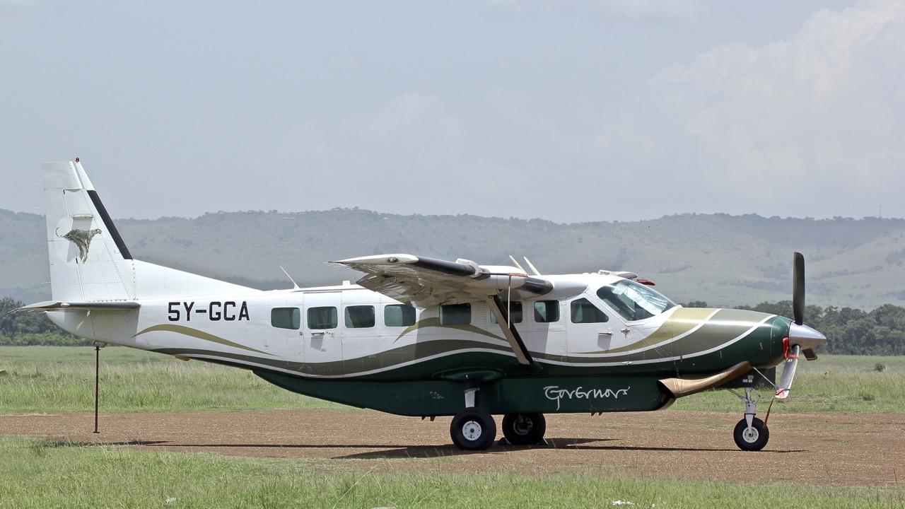 Avions au Kenya (dans la réserve de Massaï Mara) Img_0435