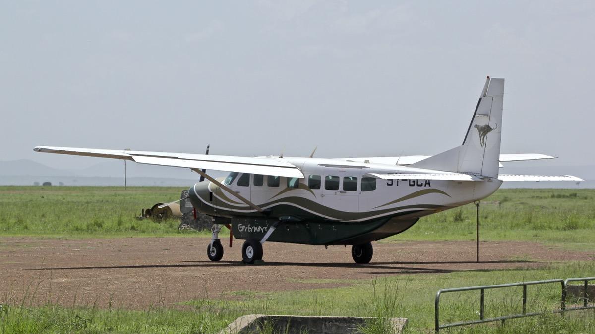 Avions au Kenya (dans la réserve de Massaï Mara) Img_0436