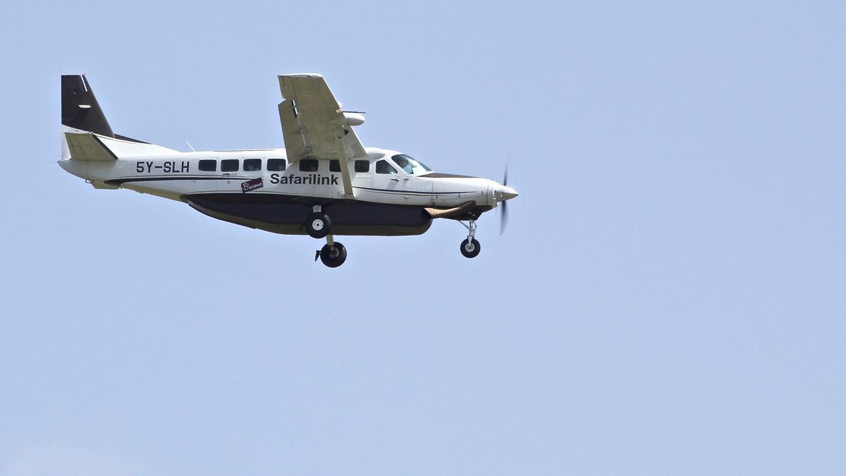 Avions au Kenya (dans la réserve de Massaï Mara) Img_0526