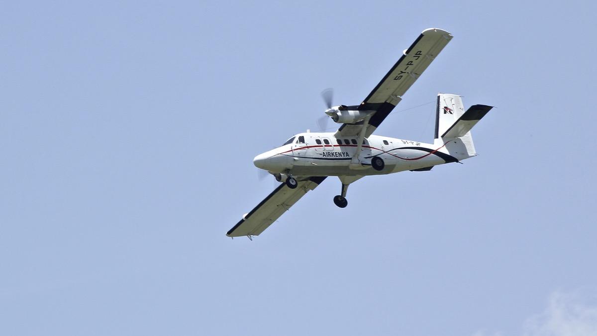 Avions au Kenya (dans la réserve de Massaï Mara) Img_0613
