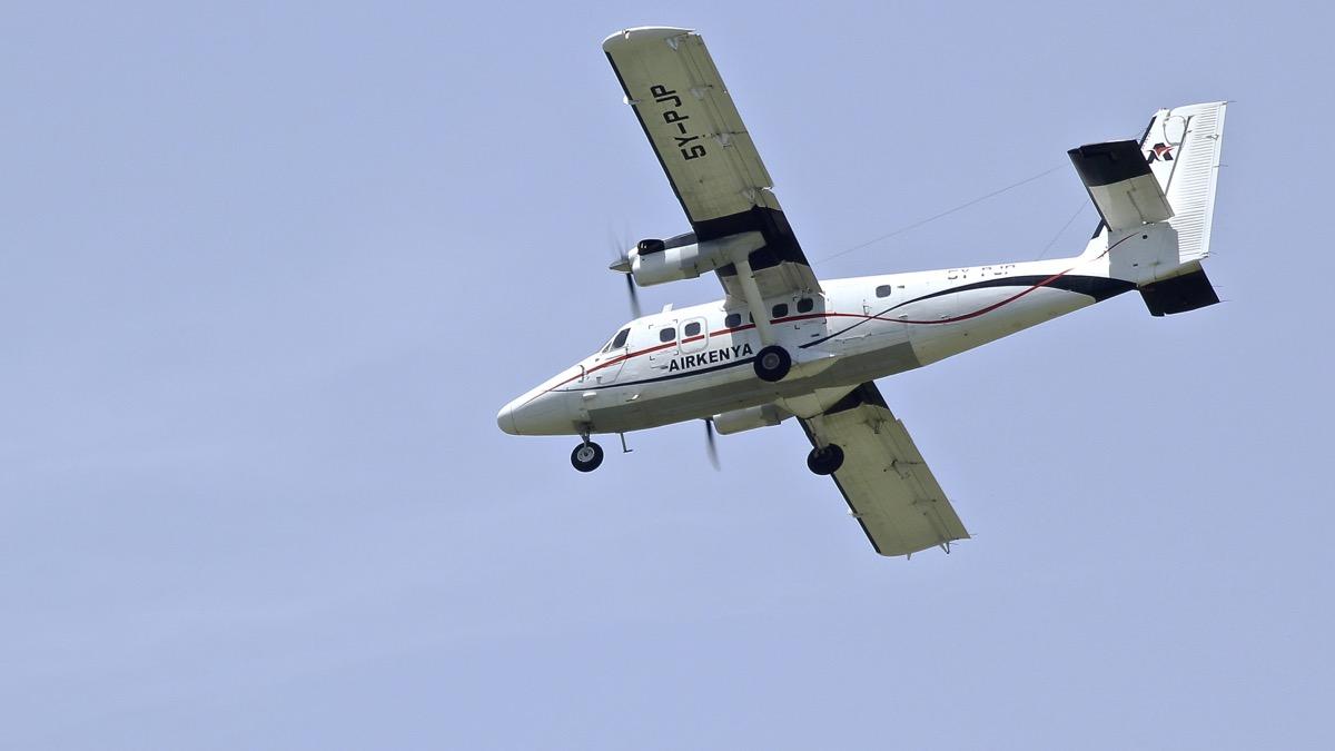 Avions au Kenya (dans la réserve de Massaï Mara) Img_0614