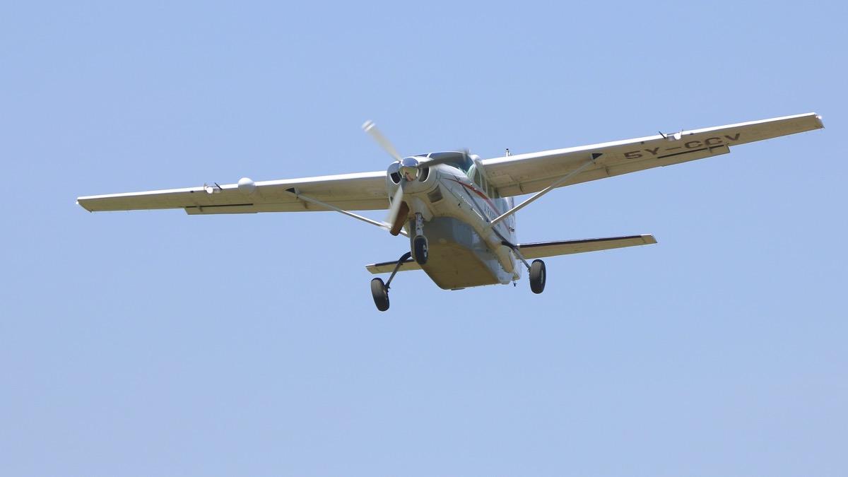 Avions au Kenya (dans la réserve de Massaï Mara) Img_1312