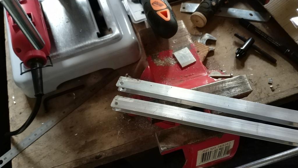 Fabrication de remorque double essieux fait maison tout en alu Img_2116