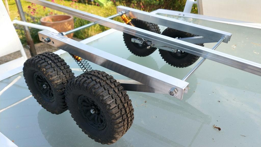 Fabrication de remorque double essieux fait maison tout en alu Img_2128