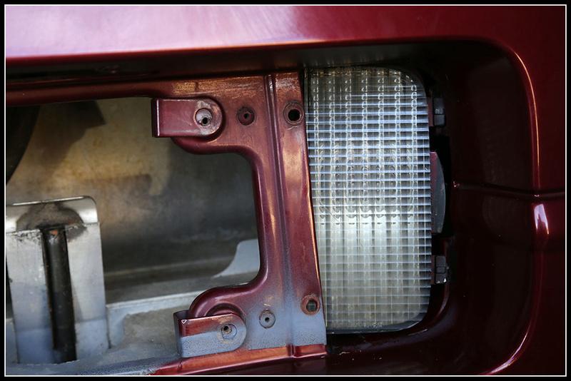 Remplacement ampoule feu de recul ? Img_0411