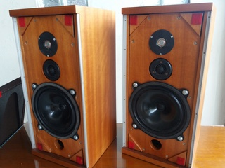 bowers & wilkins b&w dm4 speaker - preloved 20180312