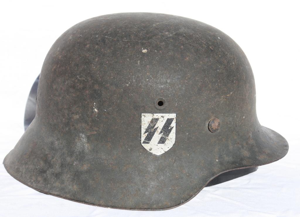 Casque M42 EF 64 Waffen SS provenant de la libération de Thiers 00174