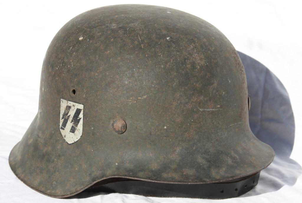 Casque M42 EF 64 Waffen SS provenant de la libération de Thiers 00260