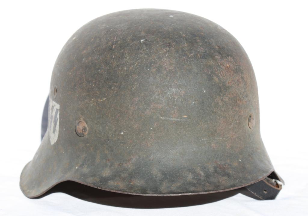 Casque M42 EF 64 Waffen SS provenant de la libération de Thiers 00830