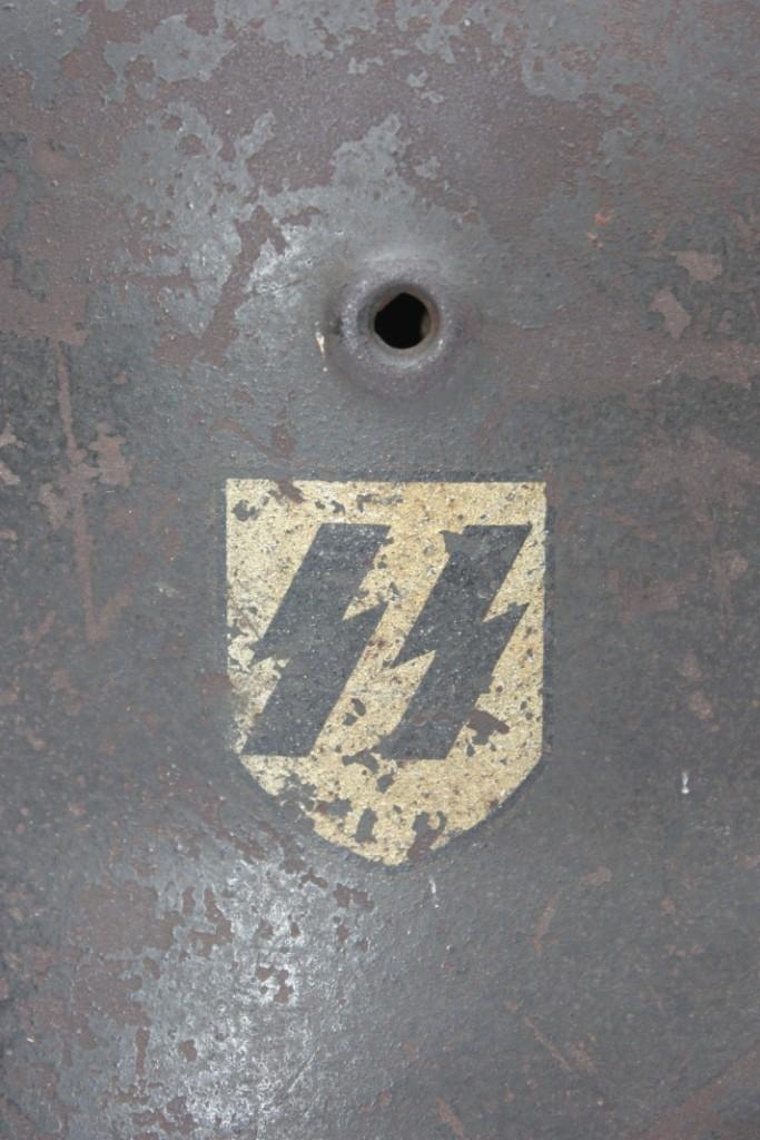 Casque M40 Quist Waffen SS de la LAH Casque61