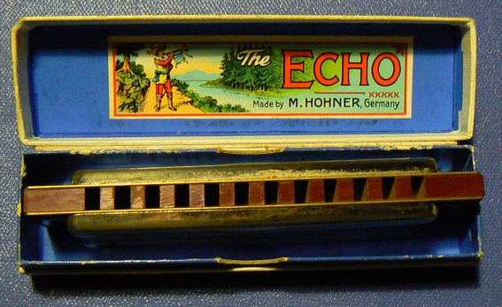 Sujet officiel du Vintage ou Harmonica de collection. P1080215