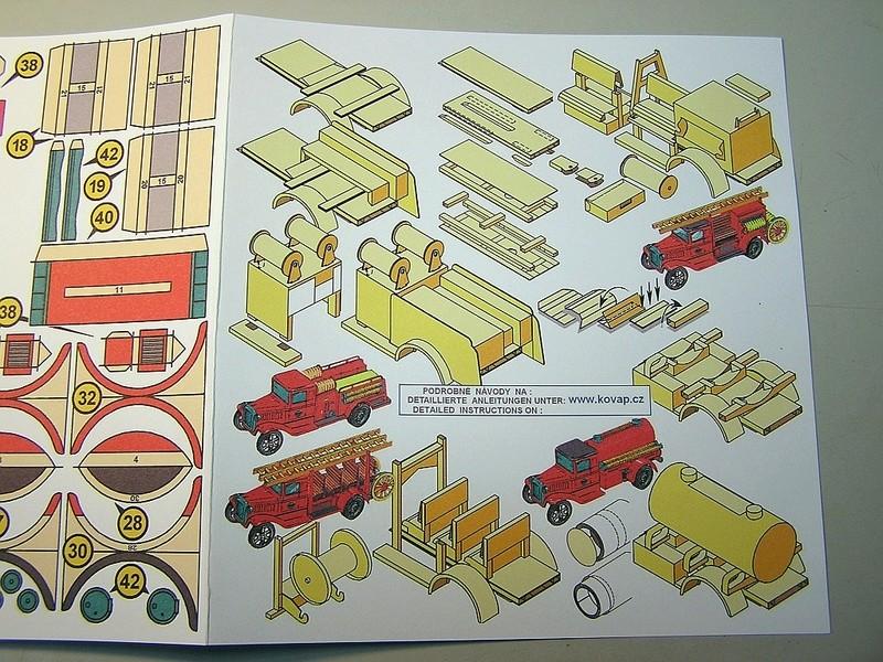 Blech-/Kartonmodelle Feuerwehrfahrzeuge von Kovap in 1:32 1312