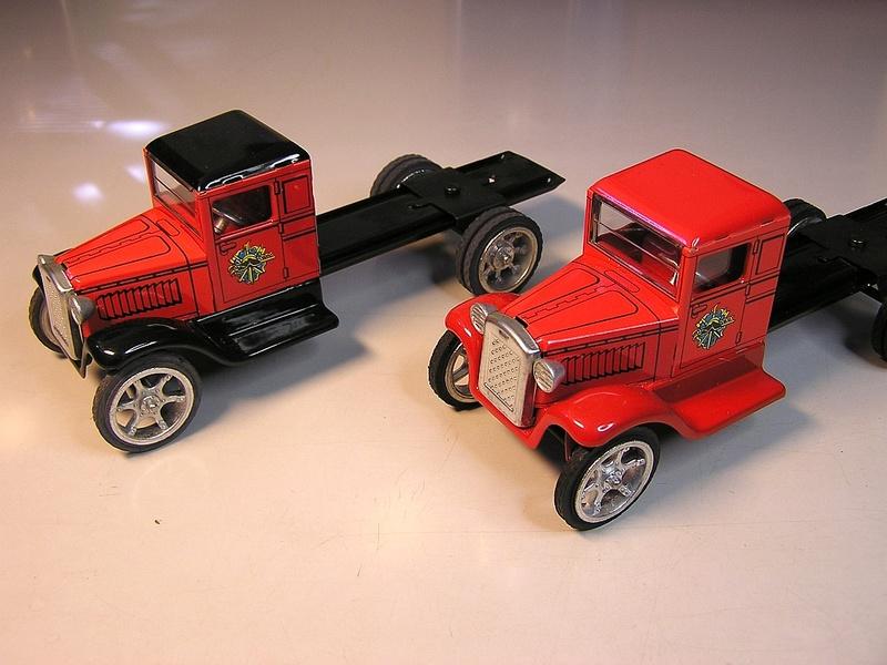 Blech-/Kartonmodelle Feuerwehrfahrzeuge von Kovap in 1:32 713