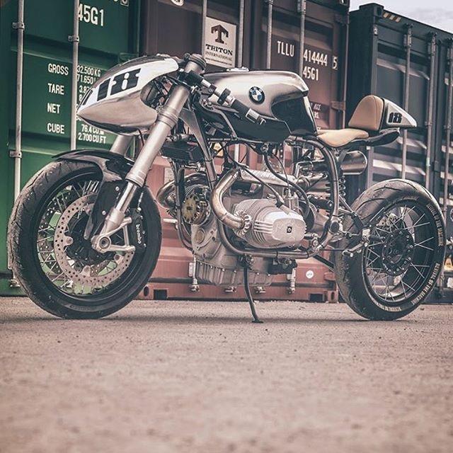 C'est ici qu'on met les bien molles....BMW Café Racer - Page 6 8acd3210