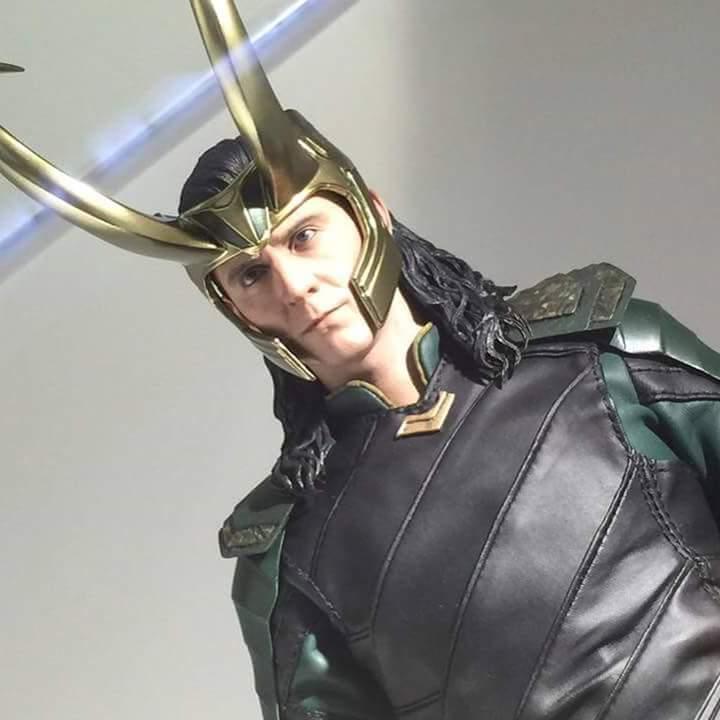 MMS472 - Thor: Ragnarok - Loki Fb_im136