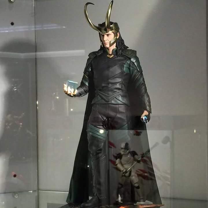 MMS472 - Thor: Ragnarok - Loki Fb_im138
