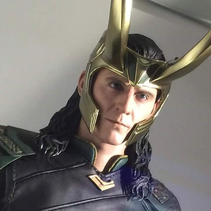 MMS472 - Thor: Ragnarok - Loki Fb_im139
