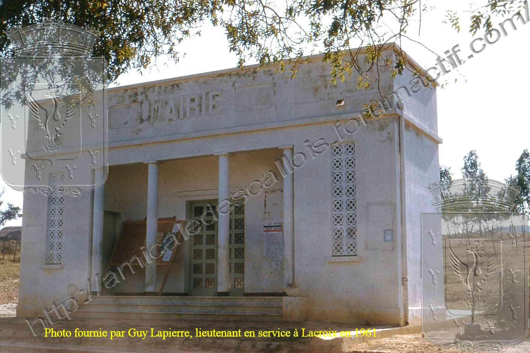 Lacroix - La mairie Lacroi14
