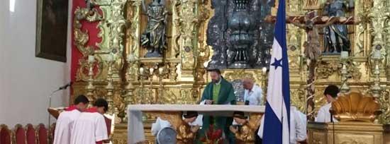 """En referencia a los opositores, Iglesia catolica dice """"hay poderes perversos con los que no se puede dialogar"""" Padre-10"""