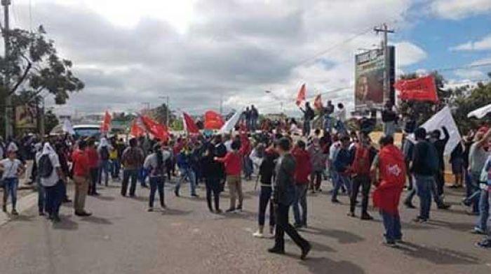 Militares amenazan con represión a quienes protesten por el llamado de la Alianza de Oposicion Protes11
