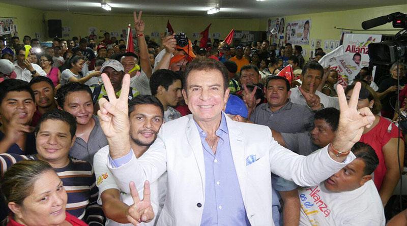 Juan Hernandez gana todas las encuestas en los cementerios, en todas las demas gana Nasralla Salvad10