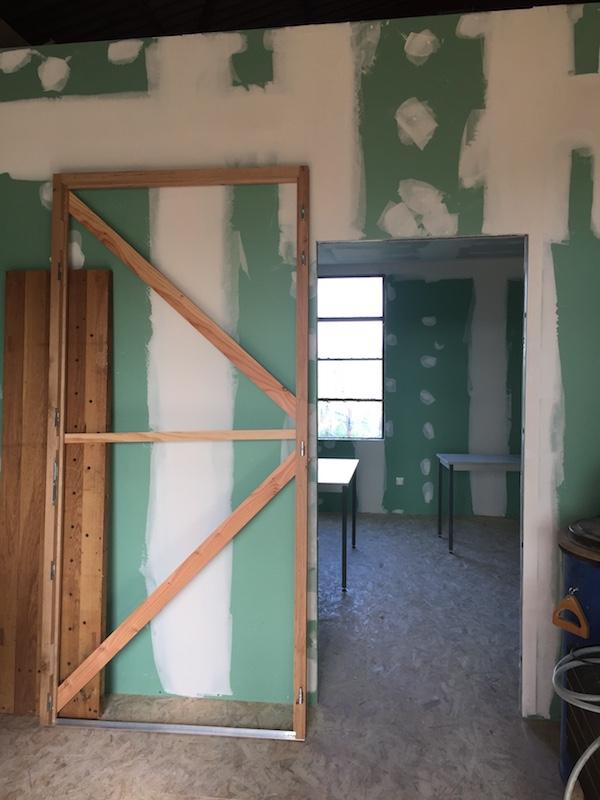 Extension de mon atelier. Les portes de la façade - Page 16 Img_5750