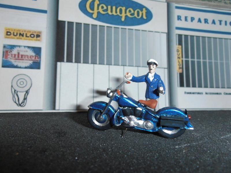 Jouets, jeux anciens et miniatures sur le monde Biker - Page 23 P5250014